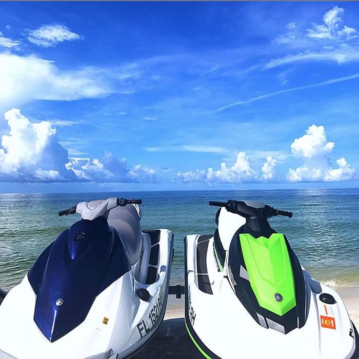 water view of jet skis on Panama City Beach